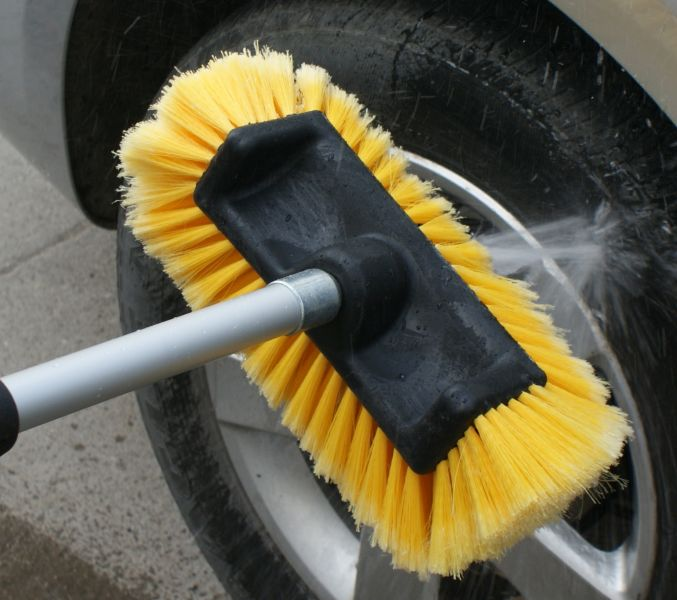Četke i štapovi za pranje vozila